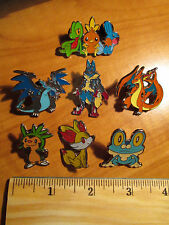 CHESPIN+FENNEKIN+FROAKIE+TREECKO+CHARIZARD+LUCARIO Metal PIN/BADGE Pokemon PROMO