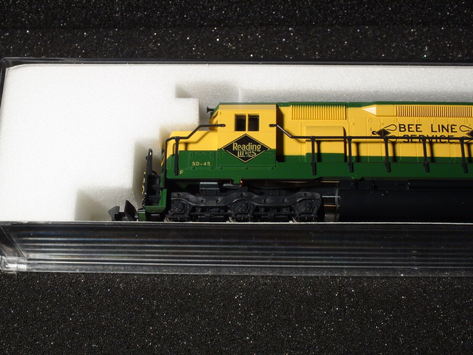 N-SCALE KATO  176-3115 EMD SD45 READING ROAD  7602