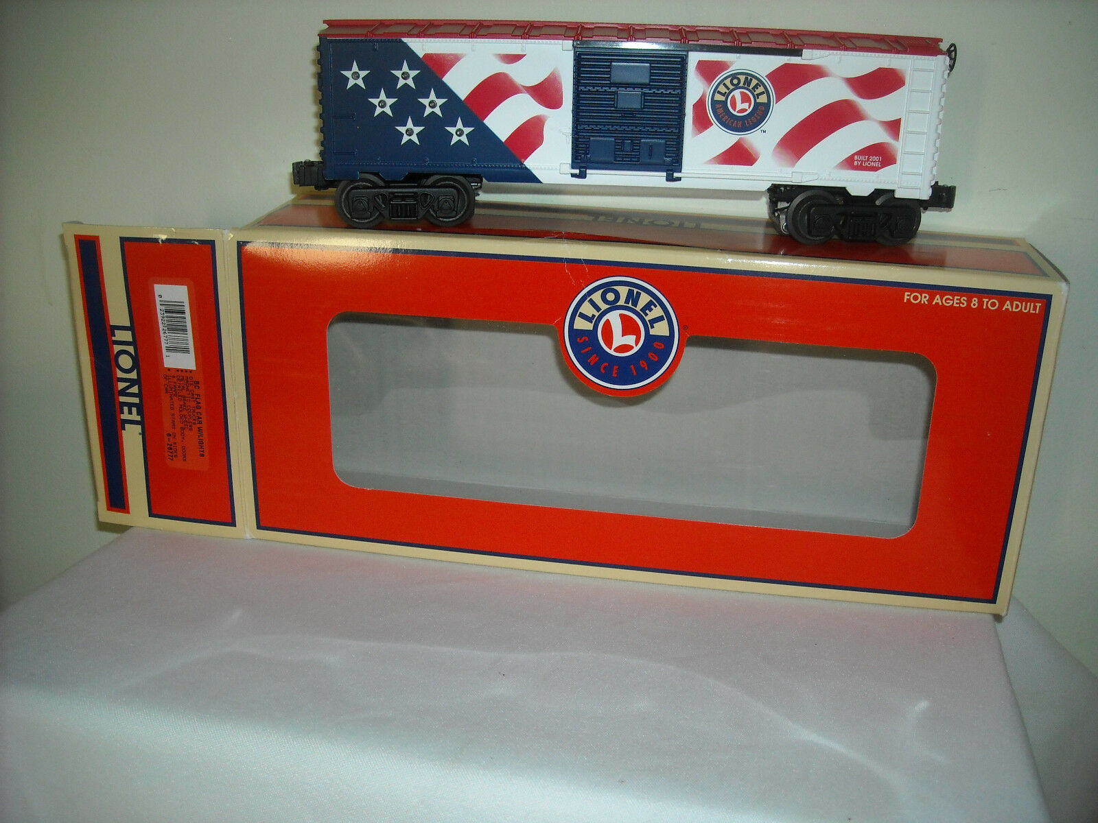 Lionel  FLAG BOXCAR WITH LIGHTS (UNCATALOGED)