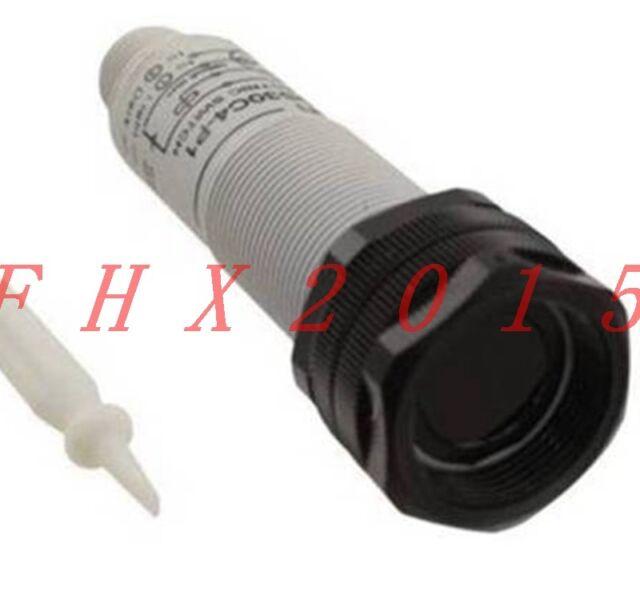 1PCS Omron E3F2-DS30C4-P1 Sensor New