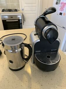 Black DeLonghi Coffee Pod Machine,Automatic Milk Frother ...