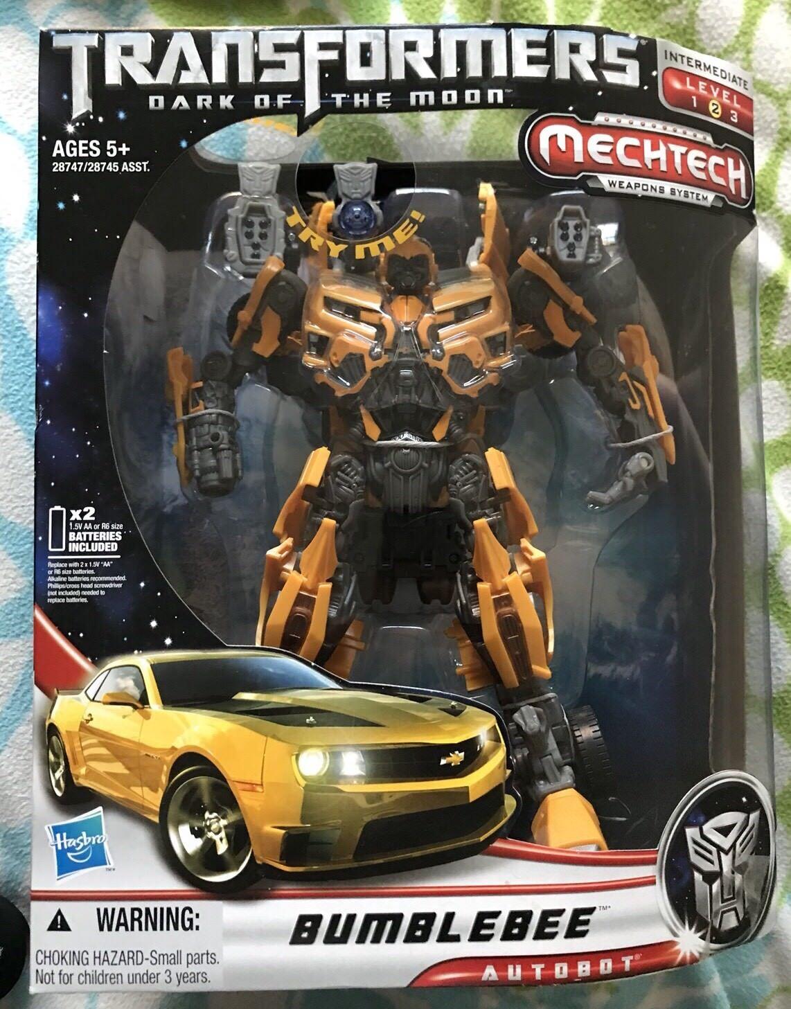 Transformers Dark Moon Leader Bumblebee MISB Mint 100% Complete 2011