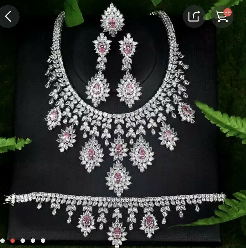 beautiful And Elegant Zubic Ziconia And Cyrstal Neckleas Earings Braclelet Set