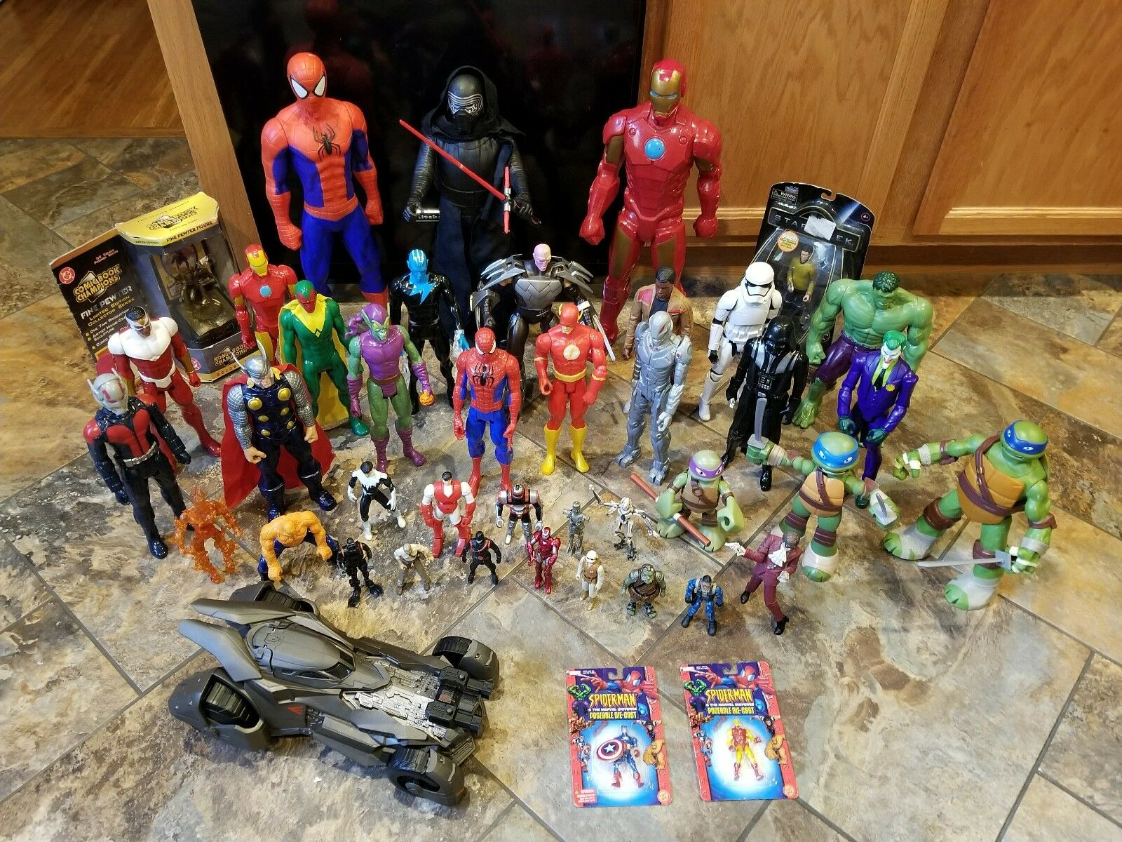 Huge Lot  43 azione cifras Marvel estrella guerras DC TMNT Batmobile Spideruomo Goblin  autorizzazione ufficiale