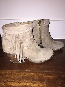 994caeab84c93 Image is loading Sam-Edelman-Women-039-s-Louie-Fringe-Trimmed-