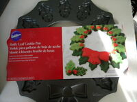 Wilton 2105-0487 Nonstick Holly Wreath Shaped Cookie Pan - 21054901