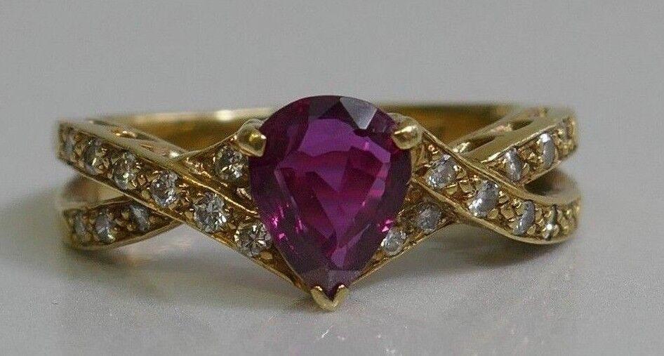 Beautiful Vintage 18K Yellow gold Ruby & Diamond Ring - Size 7.25