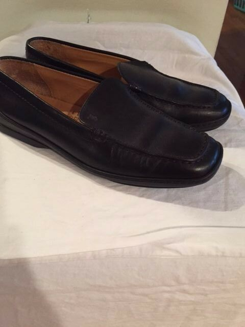 TODs SZ 7 Black Leather Slides Loafers Rubber Sole