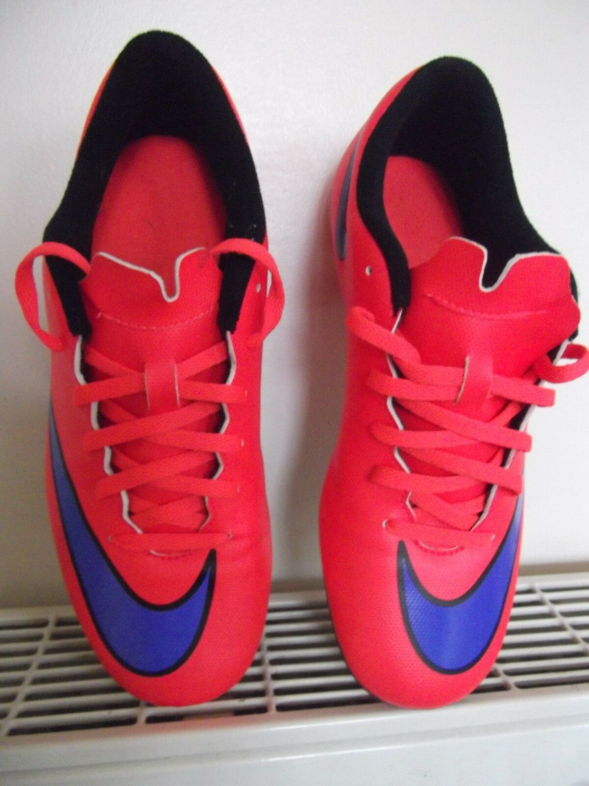 NIKE MERCURIAL FOOTBALL BOOTS-MOULDED STUDS-BLADES - SIZE 6
