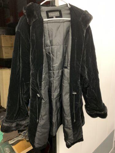 Gallery Woman Fake Fur Coat