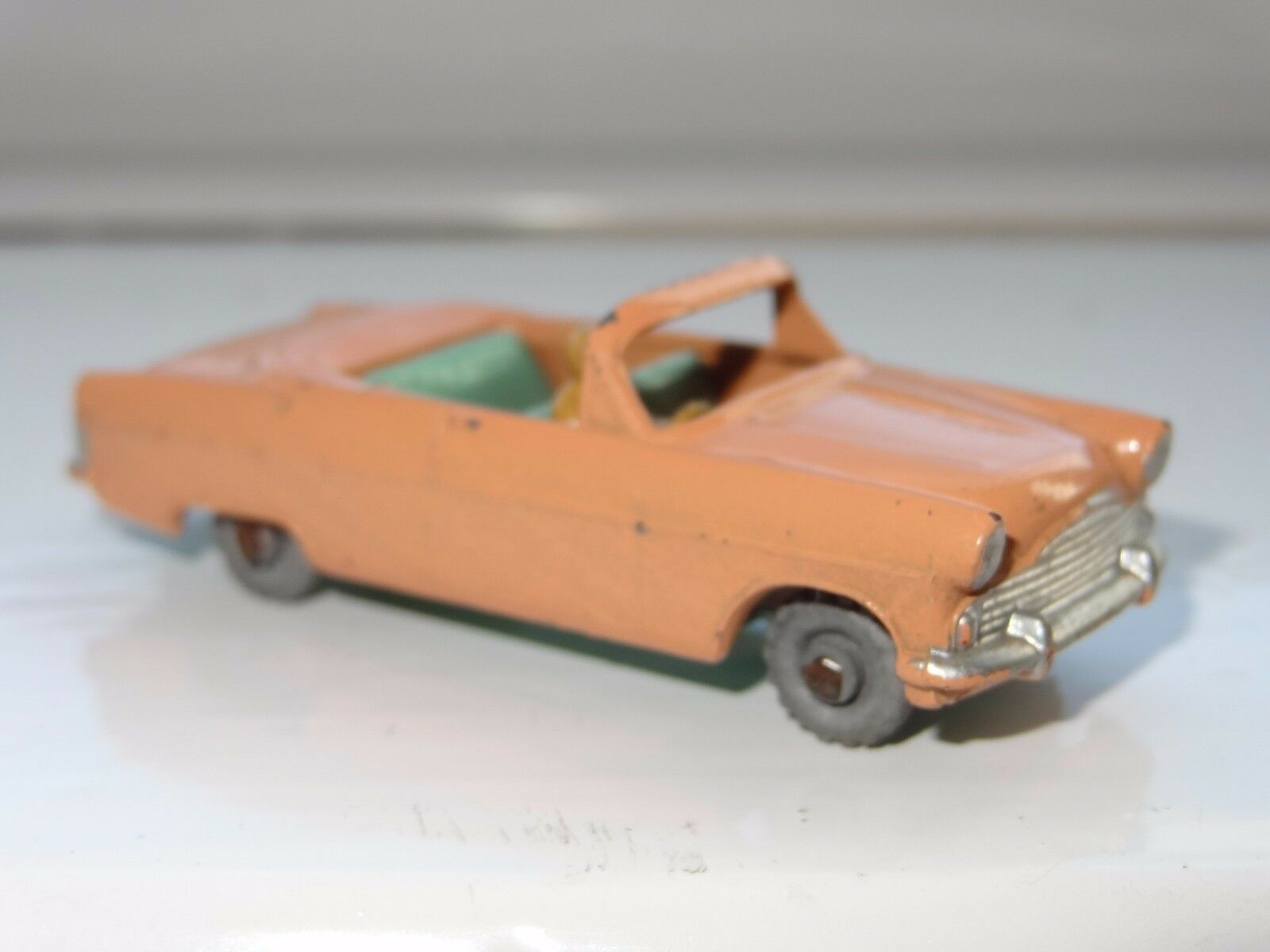 (W) Matchbox Lesney FORD ZODIAC CONgreenIBLE - 30