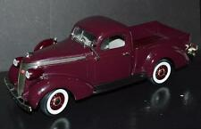 Road Signature 1/18 Car 1937 Studebaker Coupe Express Pickup #92458 Purple