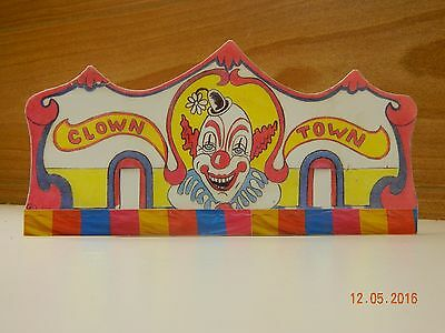 HO Scale Amusement Park Carnival Ride Models Clown Town Fun House