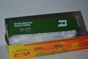Roundhouse-1251-Burlington-Northern-50-039-Plug-Door-Box-Car-Ho-Scale
