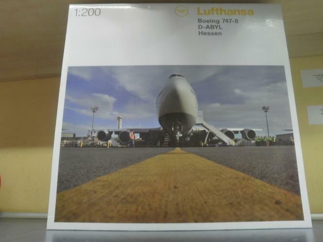 Herpa Wings 1 200 Boeing 747-8 Lufthansa intercontinent