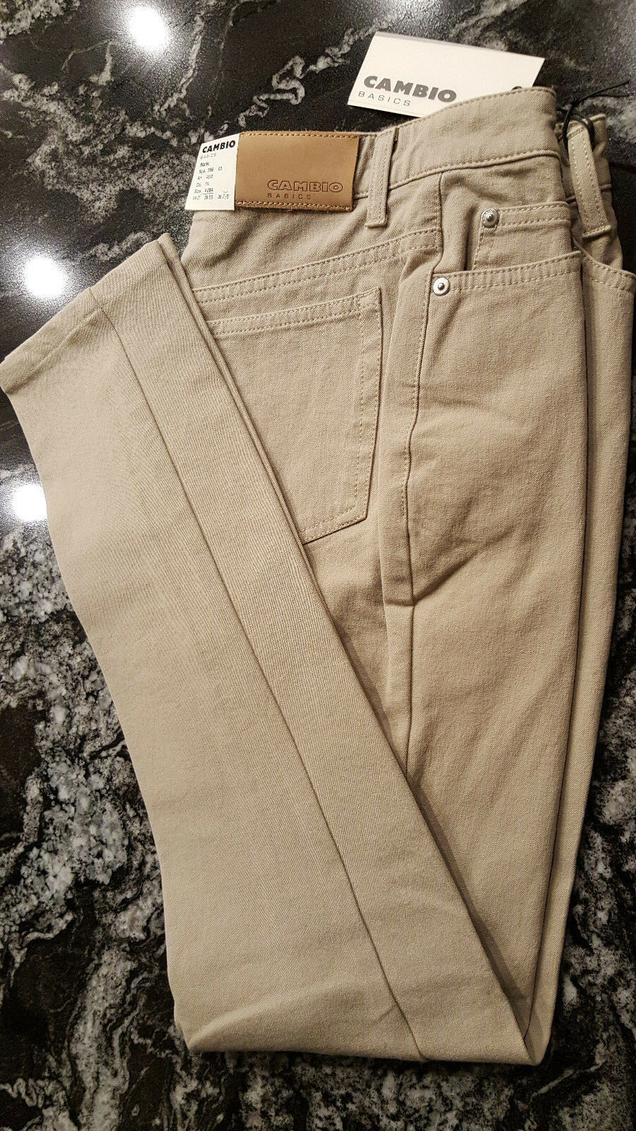 Cambio Womens  Denim Jeans Straight Leg Beige color Size 4 SHARON Style NWT
