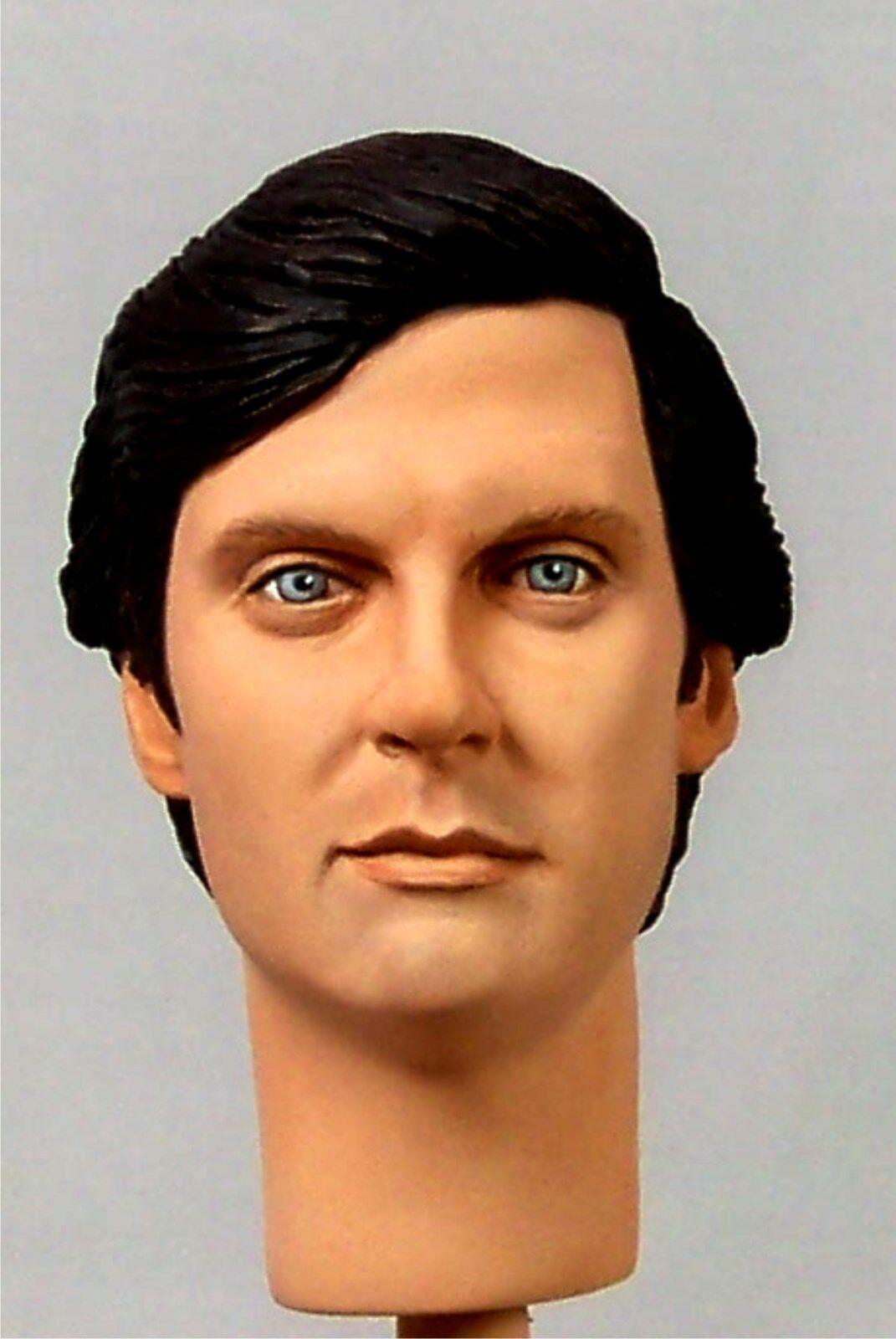 1:6 Custom Head of Alan Alda as Hawkeye Pierce from the TV Show M A S H