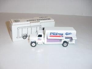 1/64 ERTL Die-Cast Metal Diet Pepsi Beverage Truck (#9376) 1992 Collector NIB!