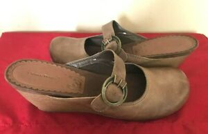 New-Bare-Traps-Laguna-Brown-Leather-Slip-On-With-Buckle-Wedge-10M-79