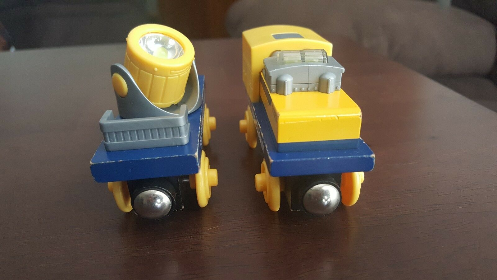Thomas Wooden Railway Sodor Power Company with with with Working Emergency Lights e59607