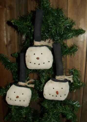 PATTERN~on cd//PRIMITIVE//COLONIAL//SNOWMEN//ORNIES//WINTER//CHRISTMAS//STOVEPIPE//pt44