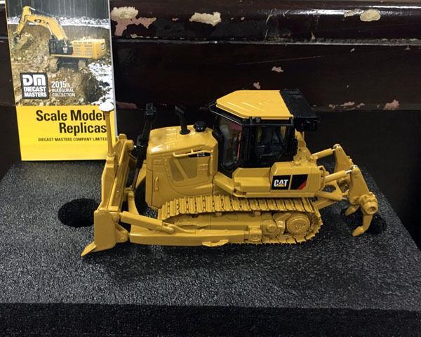 Caterpiller Cat D7E Pista Tipo Tractor 1 50 Modelo de Metal 85224 por maestros Diecast