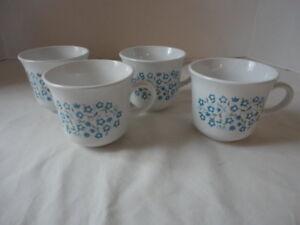 Corelle-Coffee-Tea-Cups-1970-039-s-Blue-Heather-Flowers-Never-used-Set-of-4