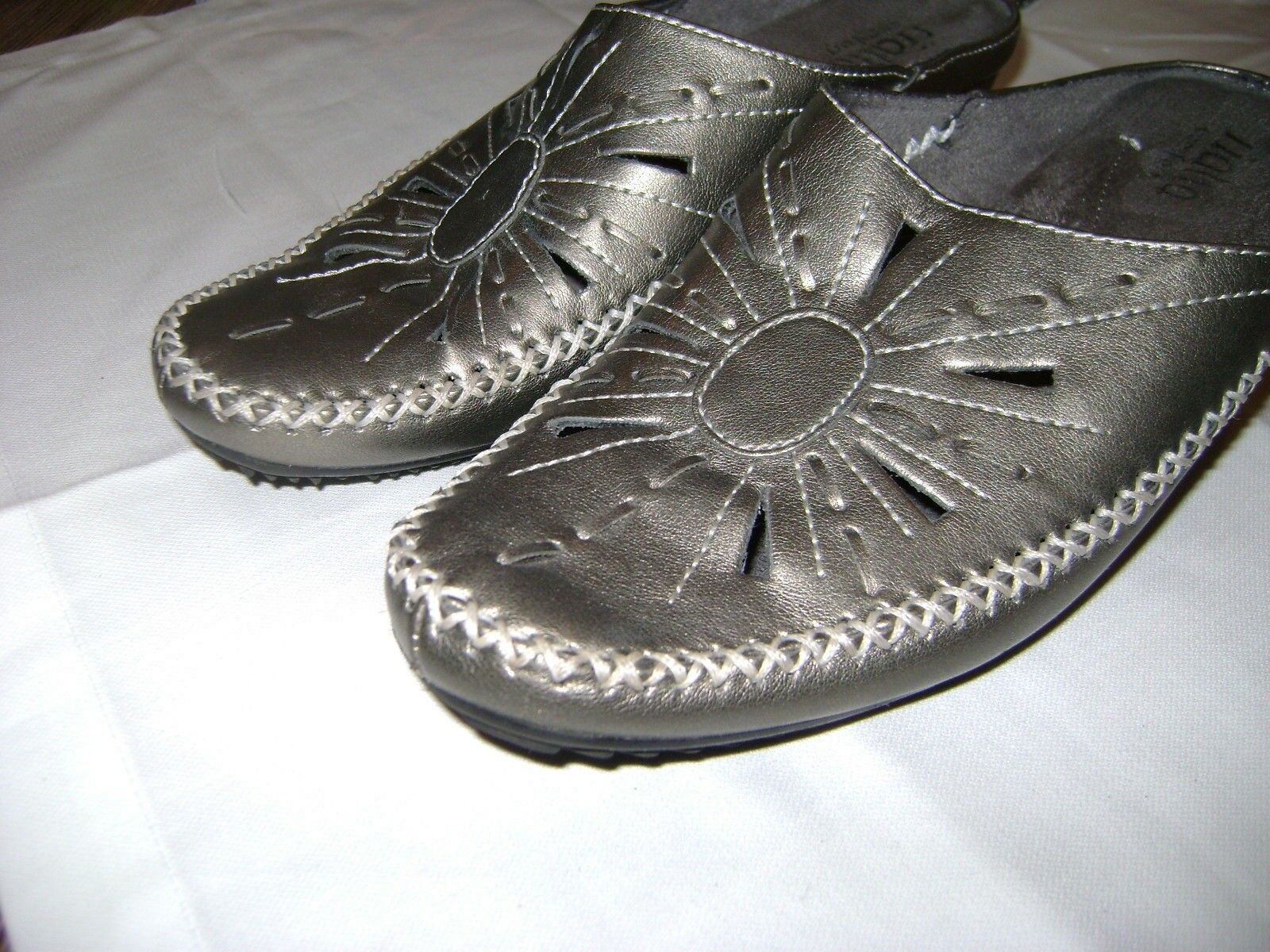 Rialto Comfort Mustang Metallic Slip On Loafers Womens US shoes Size 8.5M