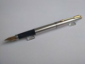 Parker 75 Stainless Steel 14k Gold Nib F Fountain Pen. Made in USA