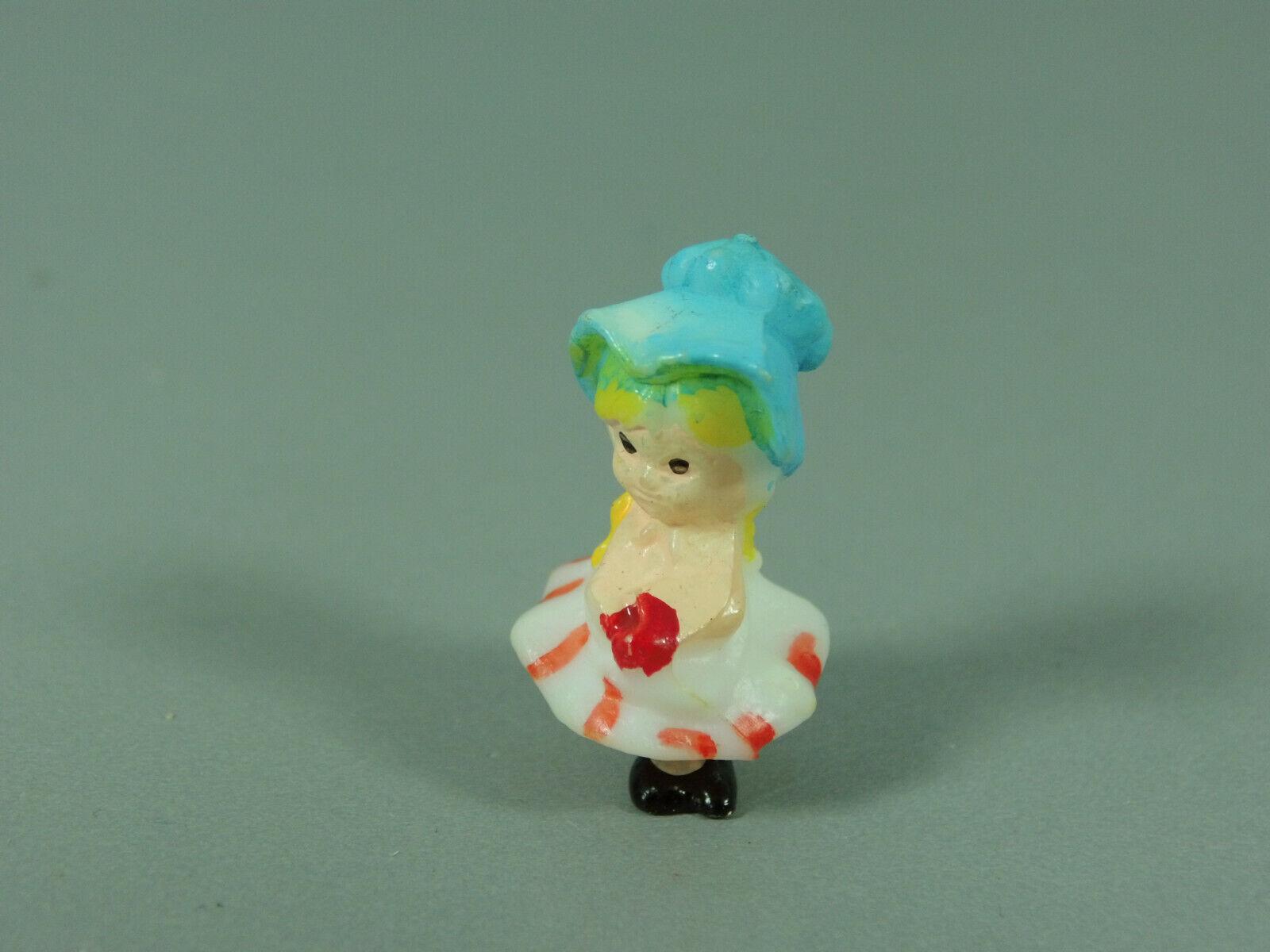 Altfig   Fille avec Chapeau et Jupe, Petits Figurine (2) (Origine USA)