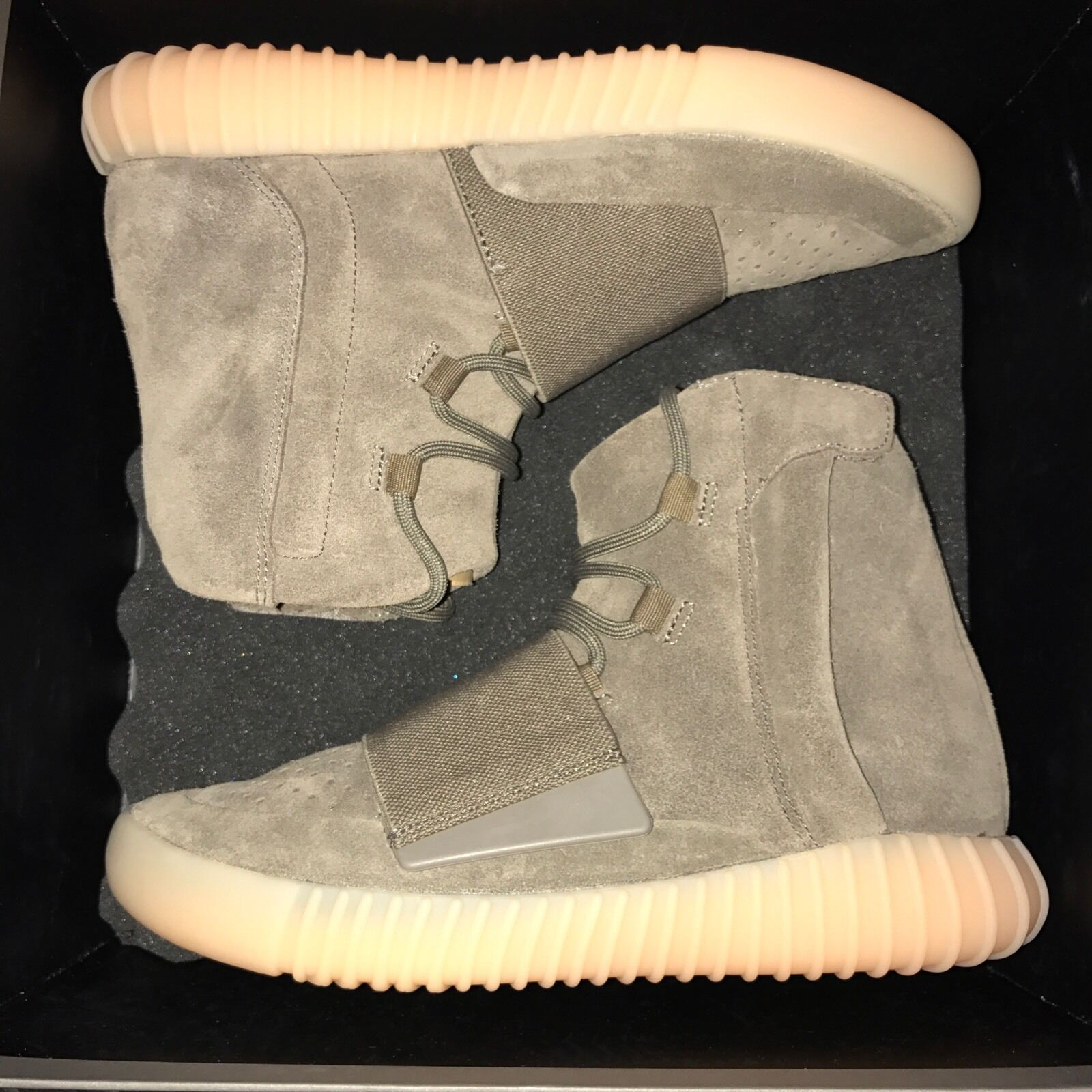 Adidas Size 6 Yeezy Boost 750 Chocolate BY2456