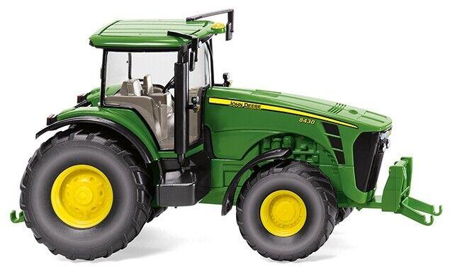 - WIK039102 - Tracteur John Deere 8430