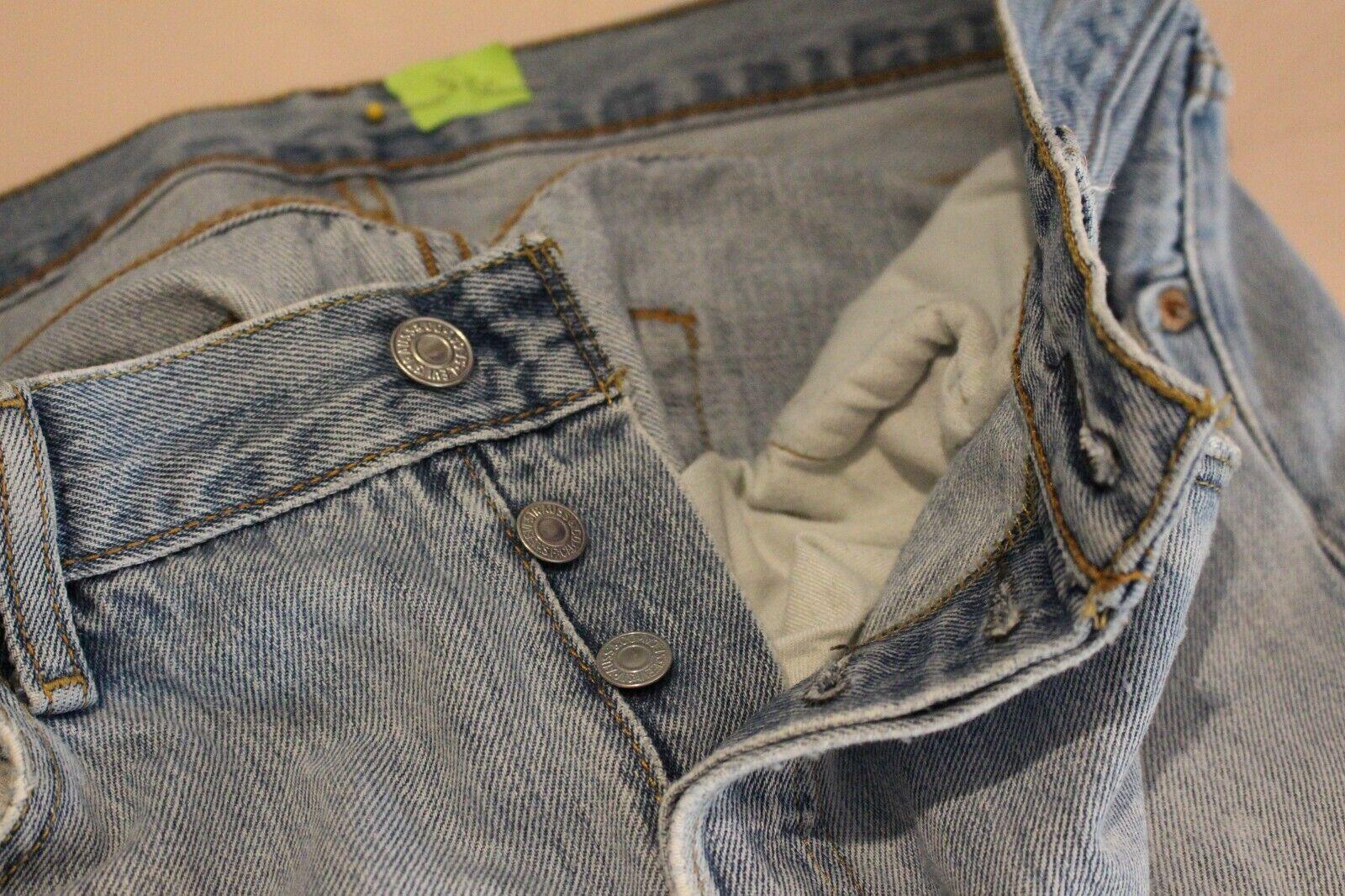 VINTAGE LEVis 501 Distressed Jeans - image 4