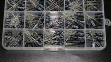 215pcs 15 Values 01uf 330uf Mix Electrolytic Capacitor Kit With Storage Box
