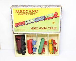 Dinky-19-conjunto-mixto-tren-de-mercancias-en-su-caja-original-casi-Nuevo-Vintage-Raro-Conjunto
