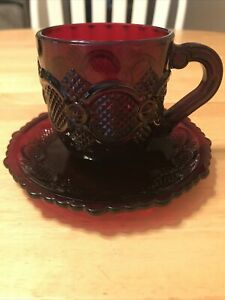 Vintage-Avon-1976-Cape-Cod-Coffee-Tea-Cup-amp-Saucer-Ruby-Red-Glass-Collection