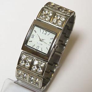 New-Yorker-Damen-Armbanduhr-mit-Strass-Uhr-Damenuhr-Damenarmbanduhr-TOP