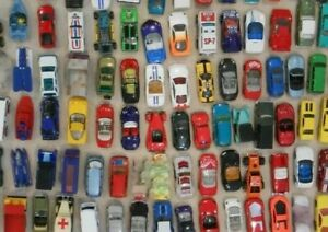 hot-wheels-Matchbox-lot-loose-cars-trucks-mixed-Box-TONS-OF-1-64-Die-cast-Cars