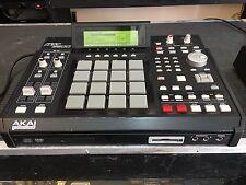 AKAI MPC2500 MPC 2500 /CF/128meg /CD /drum pads/sampler //ARMENS