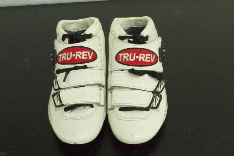 Original Trurev inline racing speed boot. Size. US size 2.5