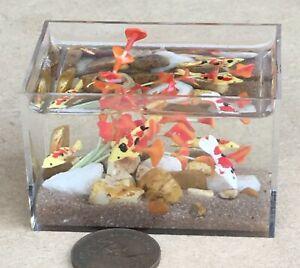 Bird casa delle bambole da GIARDINO IN MINIATURA 1:12 SCALA finito Pond Koi Carpa