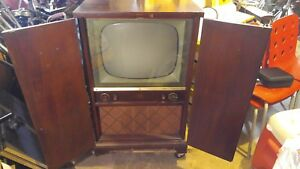 Vintage-Philco-TV-Set-Art-Deco-Cabinet-Style-Television-For-Parts-Or-Repair