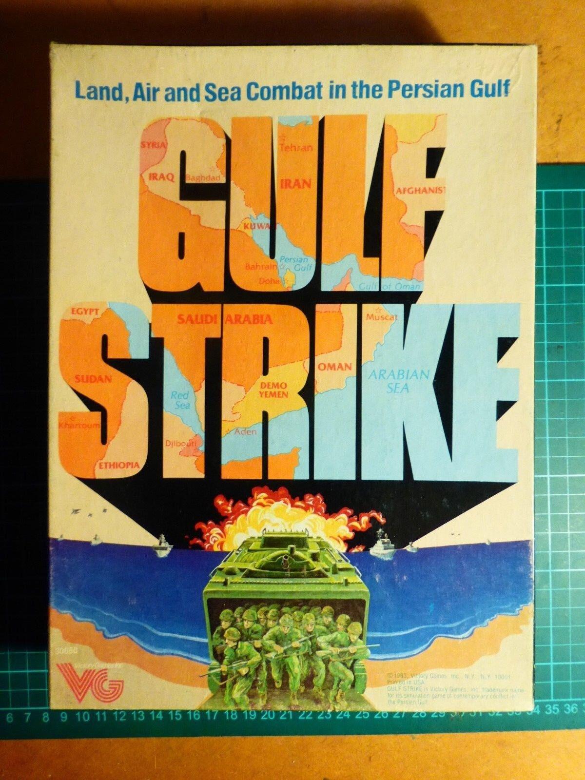 Gulf strike non perforé par Victory Games (filiale de AVALON HILL) wargame