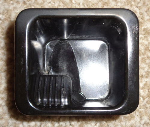 93 94 95 96 97 98 99 00 01 02 Firebird or Camaro Center Console Ashtray Ash Tray