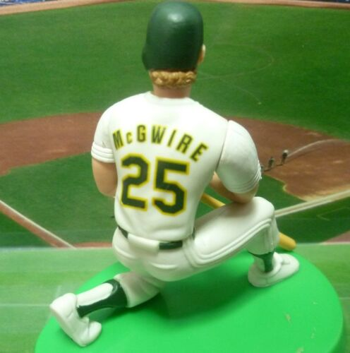 "Loose Figure Oakland A/'s 1997 MARK McGwire Starting Lineup /""Classic Double/"""