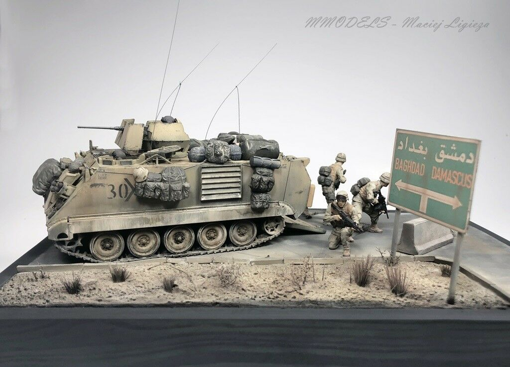 Diorama - OIF M113 A2 + US Marines  1 35 - built and painted