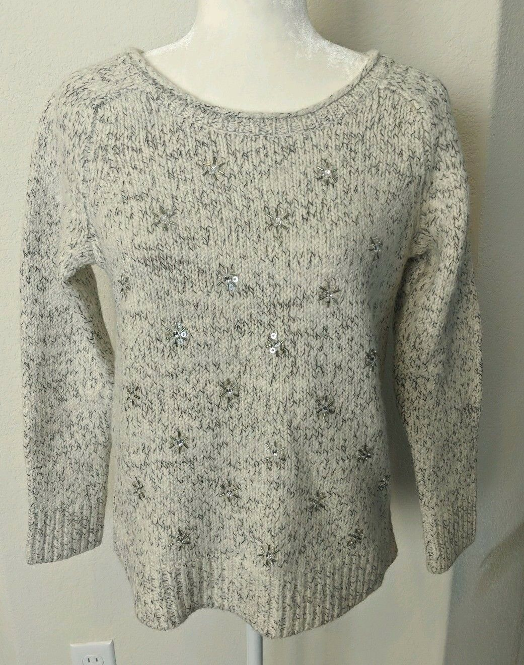Ann Taylor LOFT Beaded Snowflake Sweater Sz M Ivory Marbled Sequin Wool