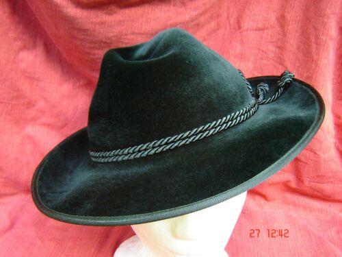 bayrischer Trachtenhut klassischer Werdenfelser grün Velourhut zur Lederhose