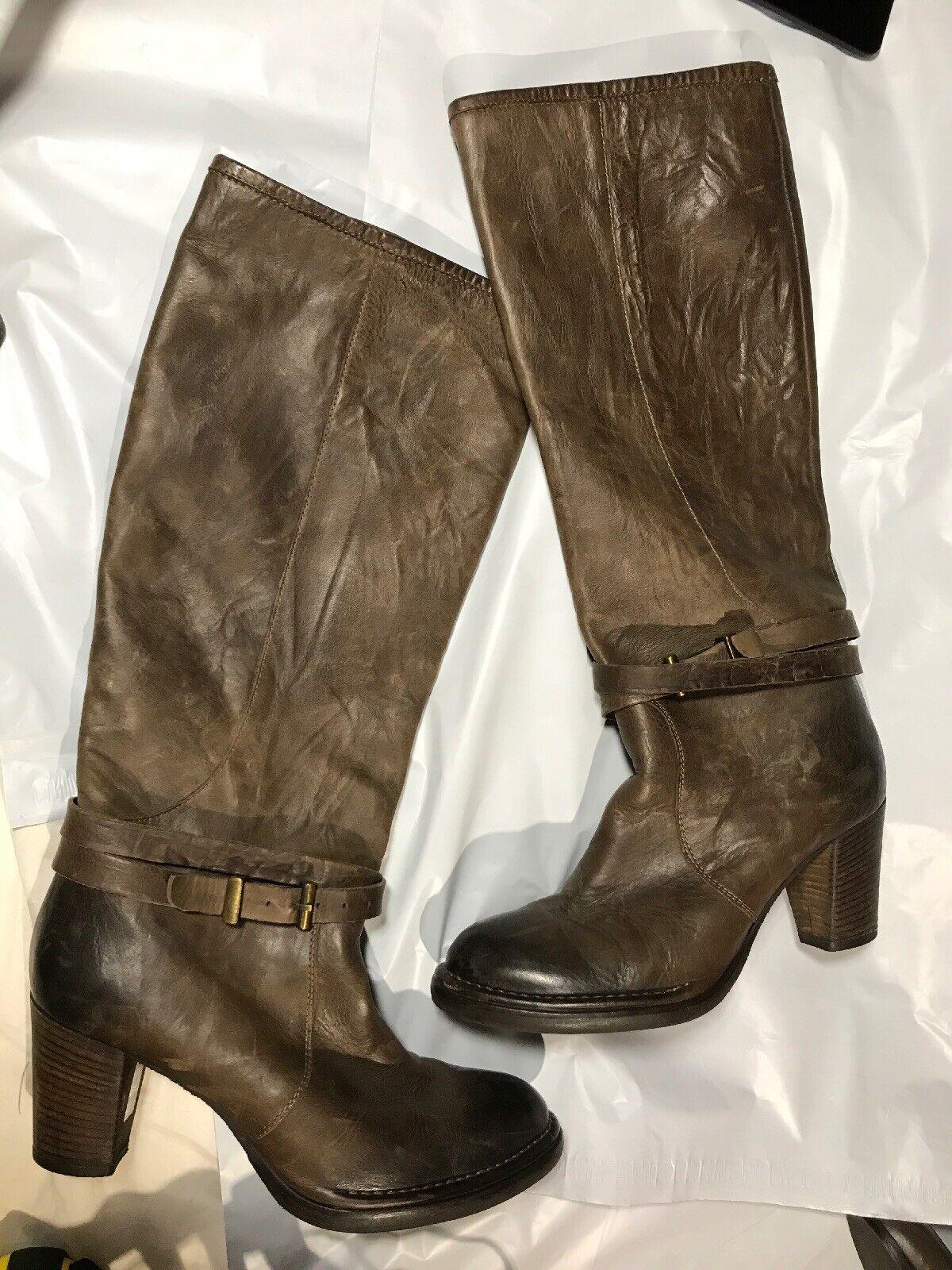 Damenschuhe Stiefel in braunem Leder