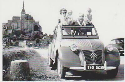 10X15 CM carte postale CITROEN 2CV 1949 DEVANT UN ARBRE